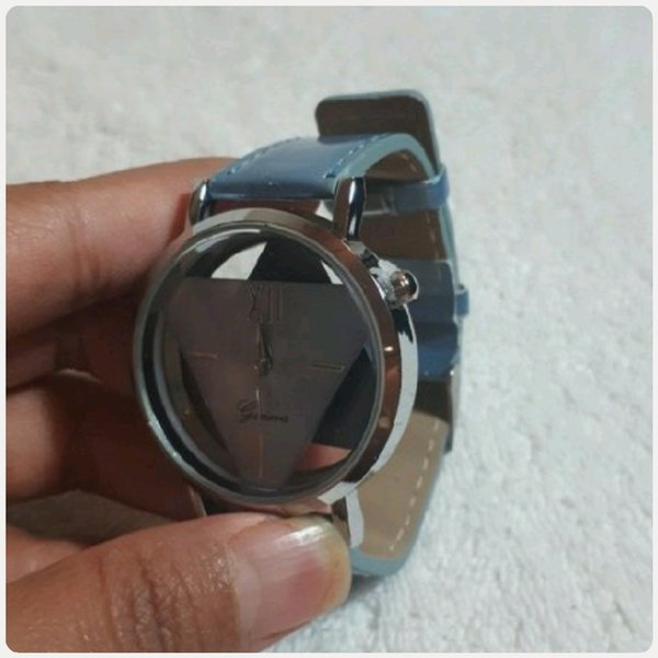 Used Geneve Watch for her fabulous.. in Dubai, UAE
