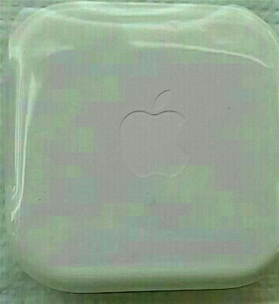 Used 2 PC Original Apple Earpods in Dubai, UAE