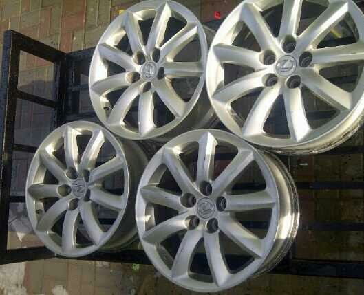 Used 2010 Lexus LS460 Rims 18x7.5 +32 offset for only 900dhs in Dubai, UAE