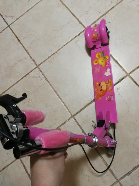 Used Brand new foldable pink scooter in Dubai, UAE