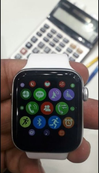 Used SERIES 5 WATCH OFFER FOR YOU TODAY in Dubai, UAE