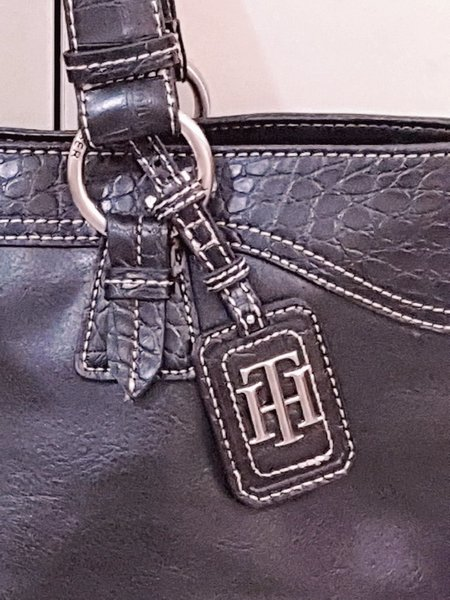 Used Authentic Tommy hilfiger Bag in Dubai, UAE