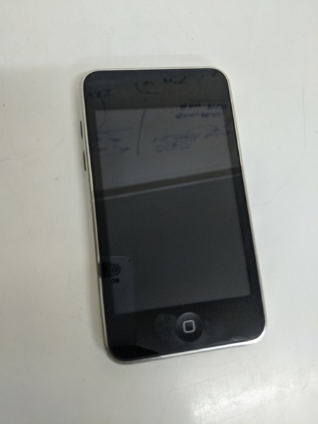 Used Ipod A1318. * Not working* in Dubai, UAE