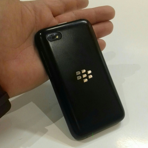 Used Blackberry Q5 Black Edition Used Mobile. Only Mobile & Charger Available. in Dubai, UAE