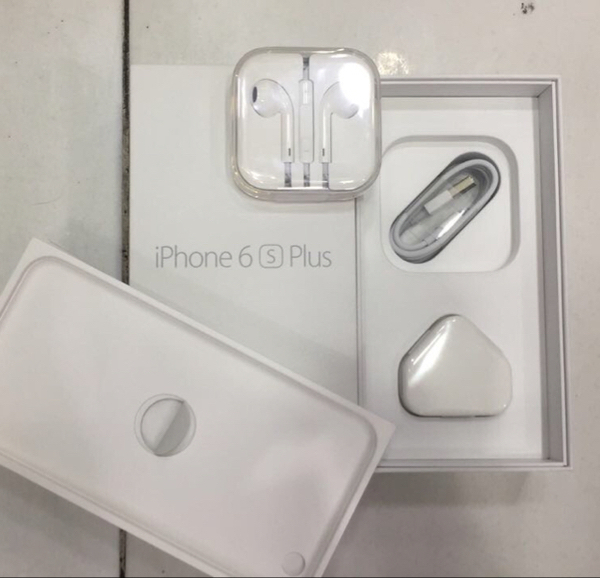 Used Apple Original Accessories  in Dubai, UAE
