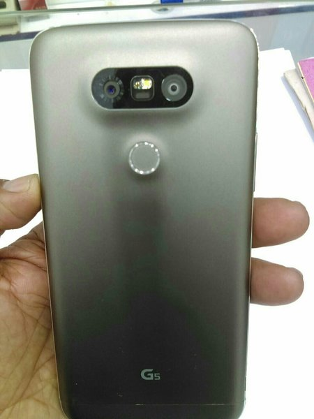 Used LG G5 ..32gb...4gb ram..4g in Dubai, UAE