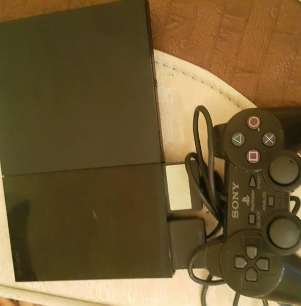 Used Play Station 2 With 2 Memory Cards in Dubai, UAE