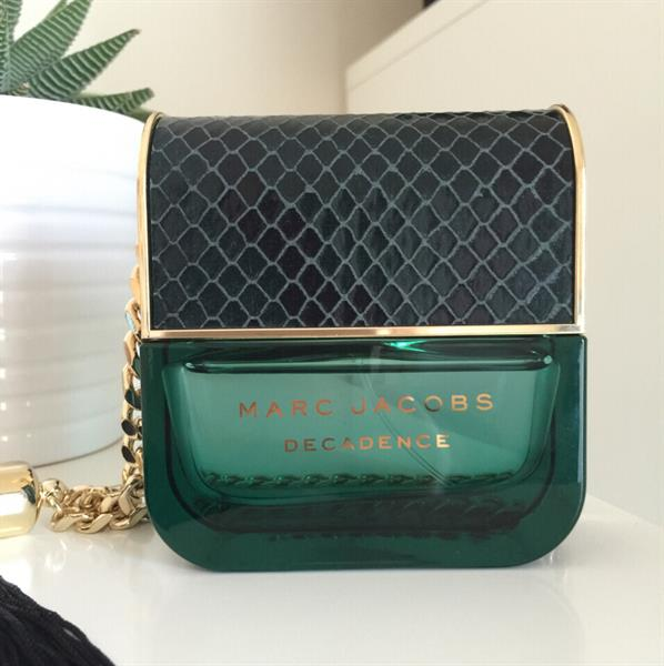 Used Marc Jacobs Decadence Perfume. Eau de parfum, 50ml spray. Used 5 times maximum! Almost almost full. No box as I threw it away. Perfect condition! in Dubai, UAE