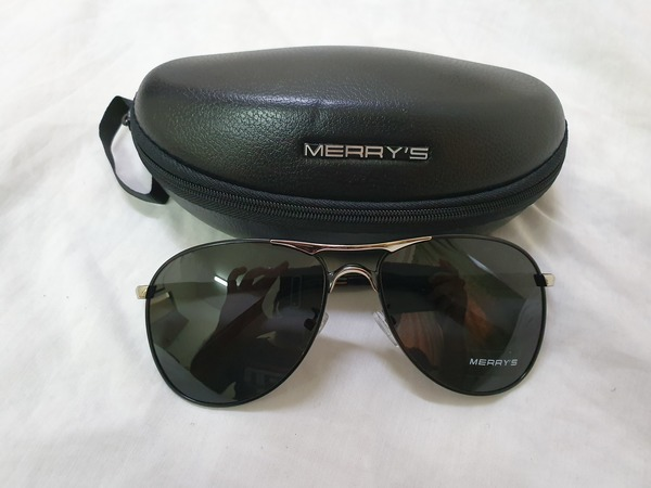 Used Black sun glasses  😎 in Dubai, UAE