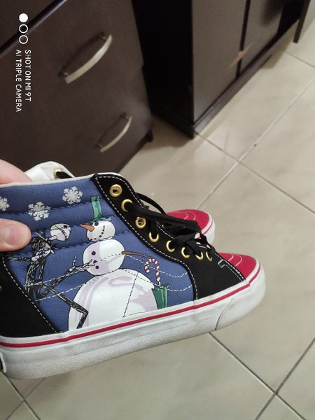 Used Vans winter limited edition shoes in Dubai, UAE