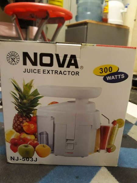 Used Juice Maker Machine With Box Urgent Sale in Dubai, UAE