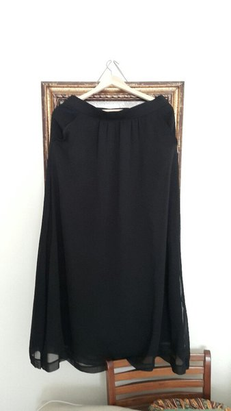 Used Gap skirt in Dubai, UAE