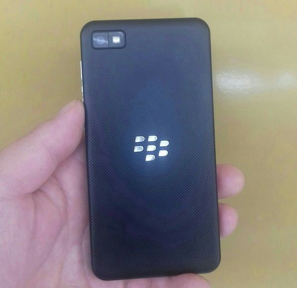Blackberry Z10 Smartphone 16 GB Memory 100% Perfect Condition, Final Price.
