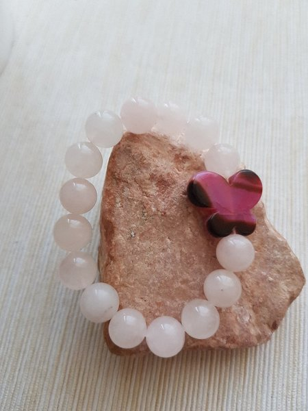Used Rose quartz with butterfly stone in Dubai, UAE