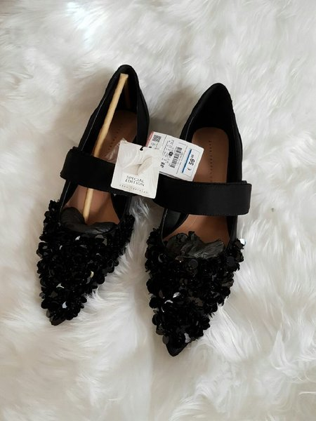 Used Zara shoes in Dubai, UAE