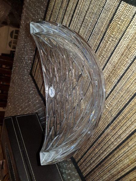 Used Beautiful glass bowl in Dubai, UAE
