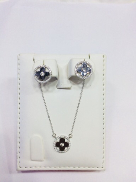 Used Silver Pendant set in Dubai, UAE