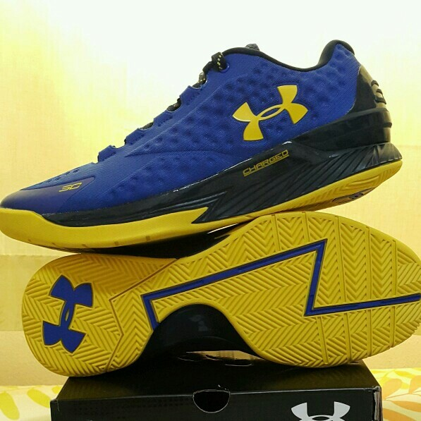 Used Curry 1 Low Sz 8.5 And 11.5 US in Dubai, UAE