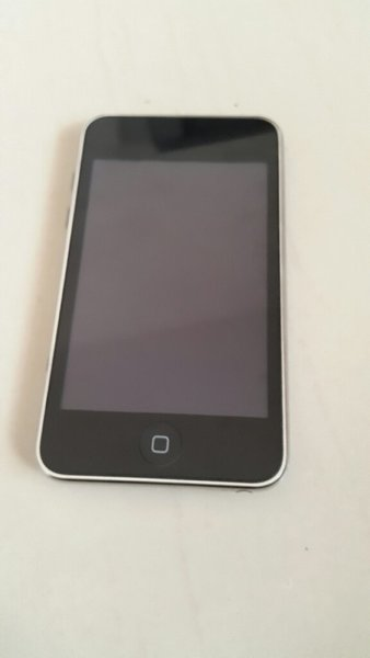 Used Apple ipod not working in Dubai, UAE