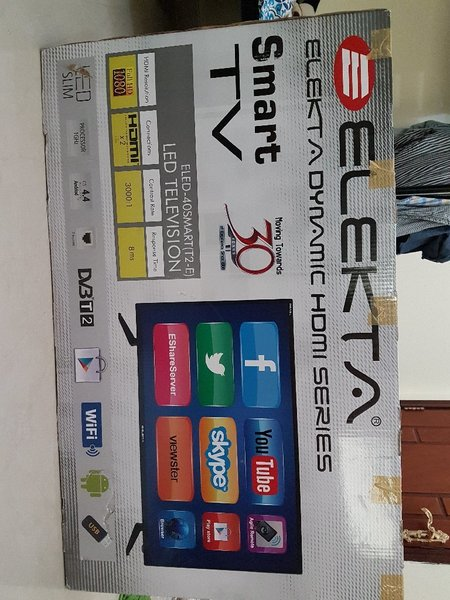 Used Electa 40 inch led smart tv in Dubai, UAE