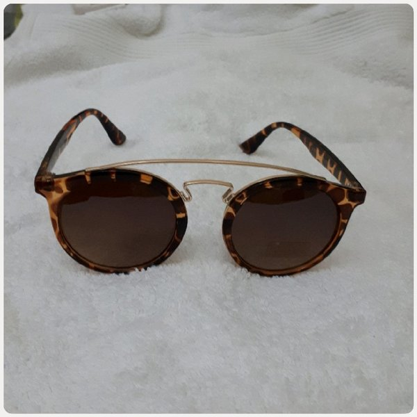 Used Sungglass brown small size fashionable in Dubai, UAE