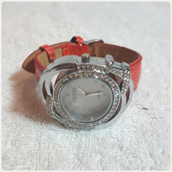 Used Beautiful Red GUESS watch for her😊 in Dubai, UAE