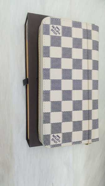 Used New lv stylish wallet for ladies class A in Dubai, UAE