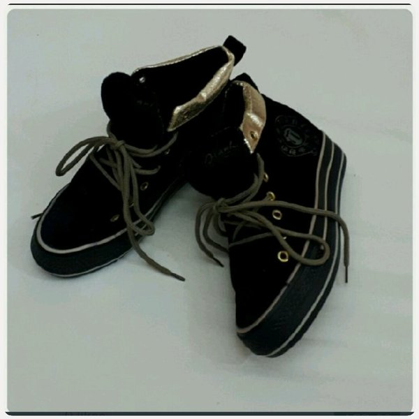 Used Shoes velvet black fits size-37-38 in Dubai, UAE
