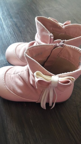 Used Kids crocs and boots very good condition in Dubai, UAE