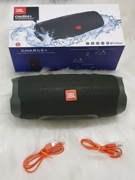 Used Charge4 green JBL speakers higher sound in Dubai, UAE