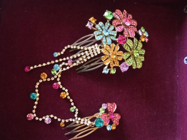 Used Hair jewelery  in Dubai, UAE