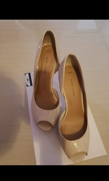 Used New Look Nude Hells in Dubai, UAE