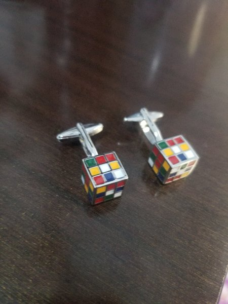 Used Zara cufflings withought box not used in Dubai, UAE