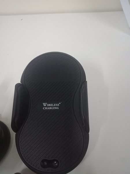 Used Luxury wireless charger car in a box in Dubai, UAE