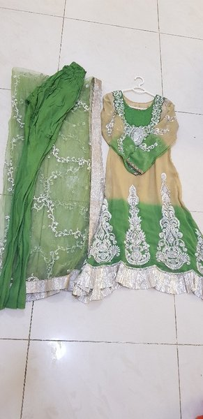 Used Gorgeous gold&green dress in Dubai, UAE