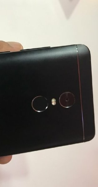 Used xiaomi mi note 4 black  4gbram 64 gb rom in Dubai, UAE