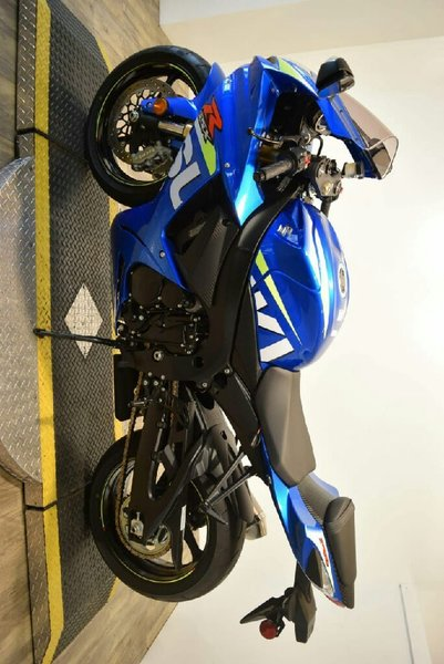 Used 2015 suzuki gsx-r 600 in Dubai, UAE