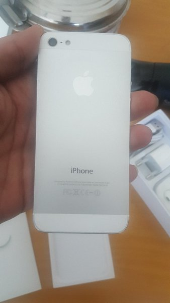 Used IPhone 5: with box and accessories shown in Dubai, UAE