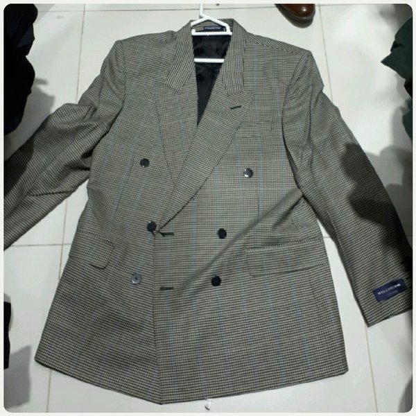 Used Grey men's blazer in Dubai, UAE