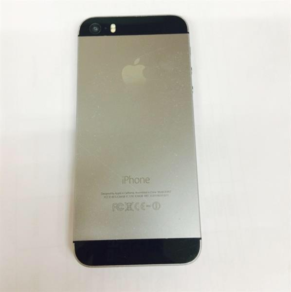 Used Iphone 5s 64gb With FaceTime. Normal Usage Scratches. As Per Photo. In Good Working Condition.  in Dubai, UAE