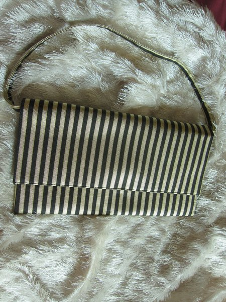 Used Striped purse. in Dubai, UAE