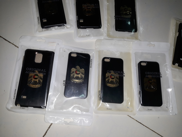 Used 10 phone packs for iphone and Samsung in Dubai, UAE