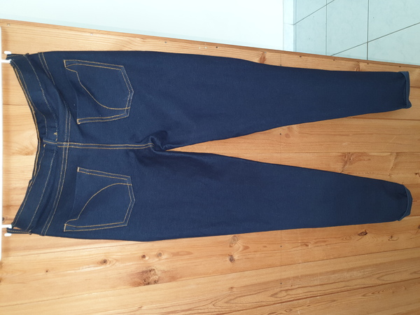 Used Berska size 26 (s) skinny jeggings in Dubai, UAE