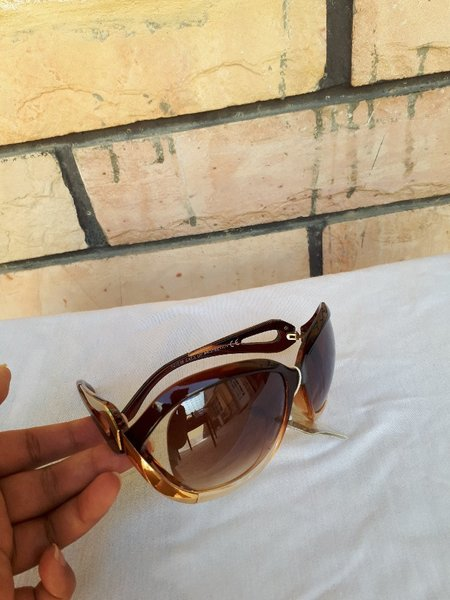 Used Sungglass for lady summer wear in Dubai, UAE