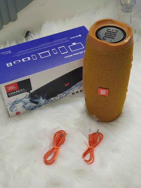 Used Bluetooth charge 4 speakers new colour in Dubai, UAE