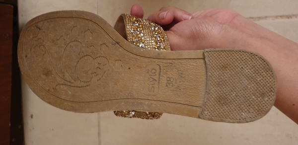 Used Sandals in Dubai, UAE