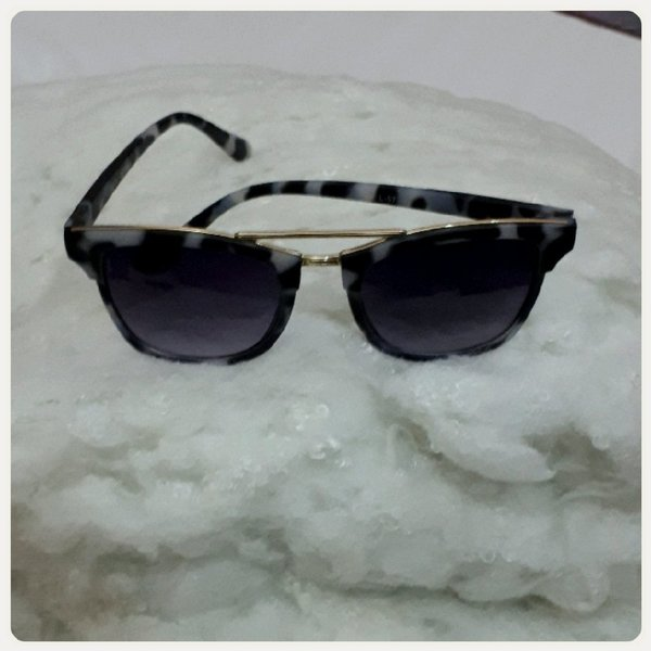 Used Sungglass black glass with grey color in Dubai, UAE