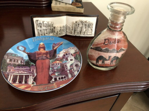Used House Souvenirs   in Dubai, UAE