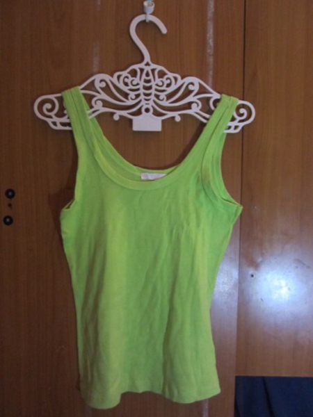 Used 3 pcs tank top in Dubai, UAE