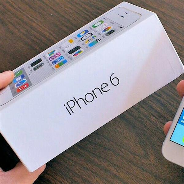 Used i phone 6 lady use good condition back 1 secratch in Dubai, UAE